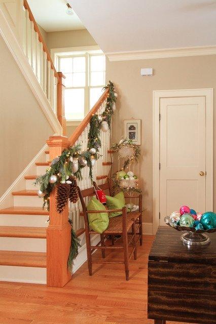 Легкое украшение для лестницы