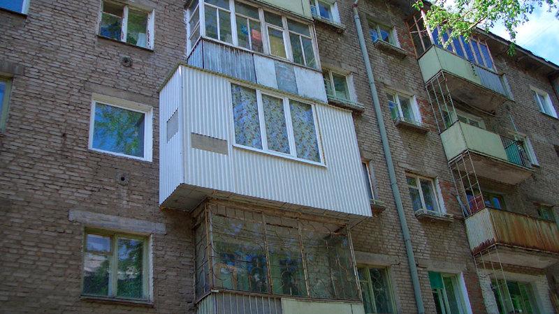 Как выполнить ремонт на балконе в хрущевке или панельном дом.