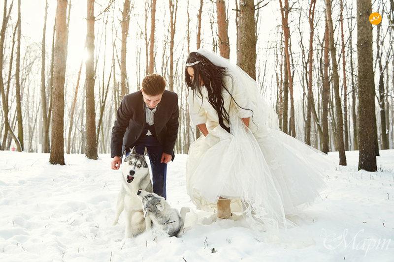 Bride-groom-snow