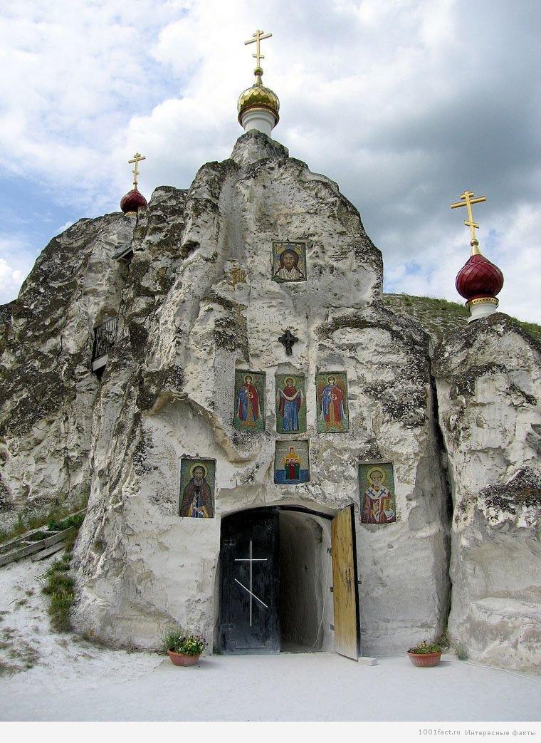 Свято-Спасский женский монастырь Костомарово Воронежская область.
