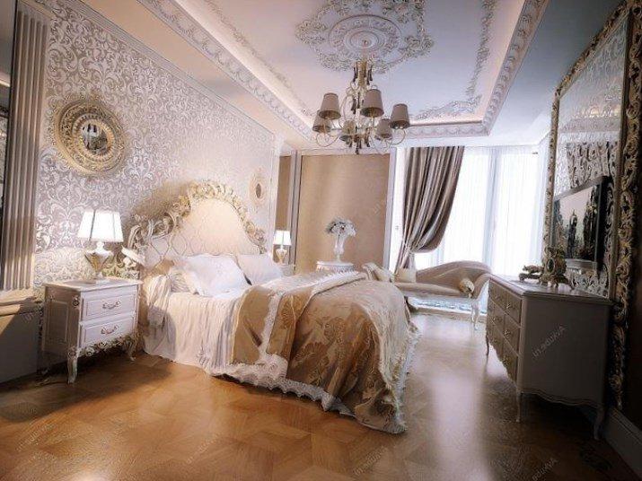 Дополнительными предметами мебели в спальне в классическом стиле могут выступать шкаф, прикроватные тумбы, туалетный столик с зеркалом в изящной раме.