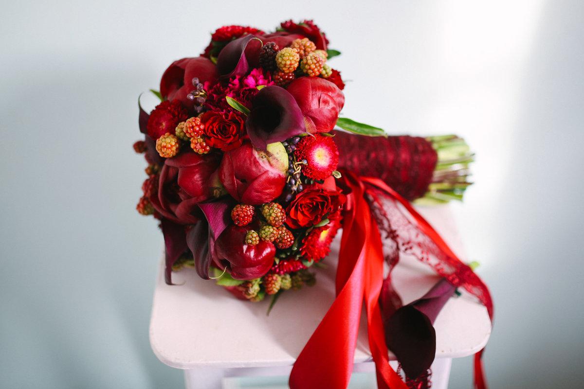 Букет, букет для невесты 10 в бордовом цвете