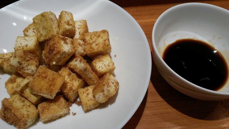 Жареный тофу в соевом соусе
