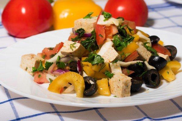 Салат постный с сыром