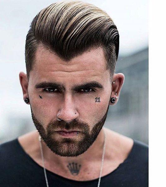 У мужчин особенное отношение к длинным волосам.