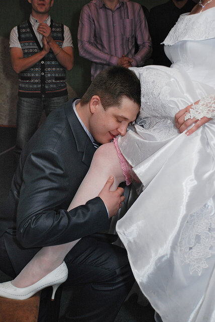 otporol-nevestu-druga-do-svadbi