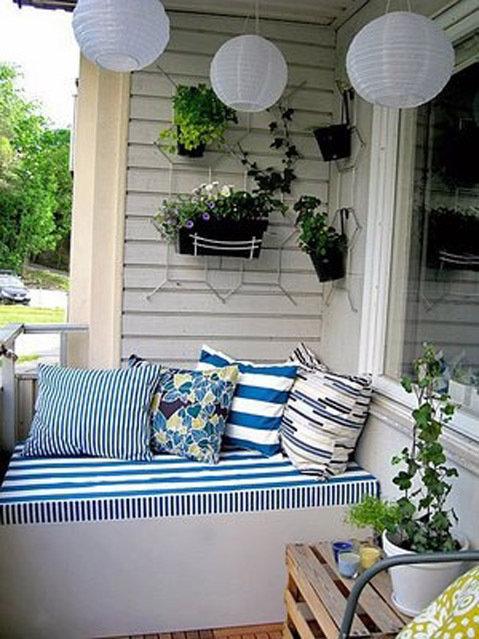 Даже не важно балкон у вас или лоджия, застеклен или гуляет .