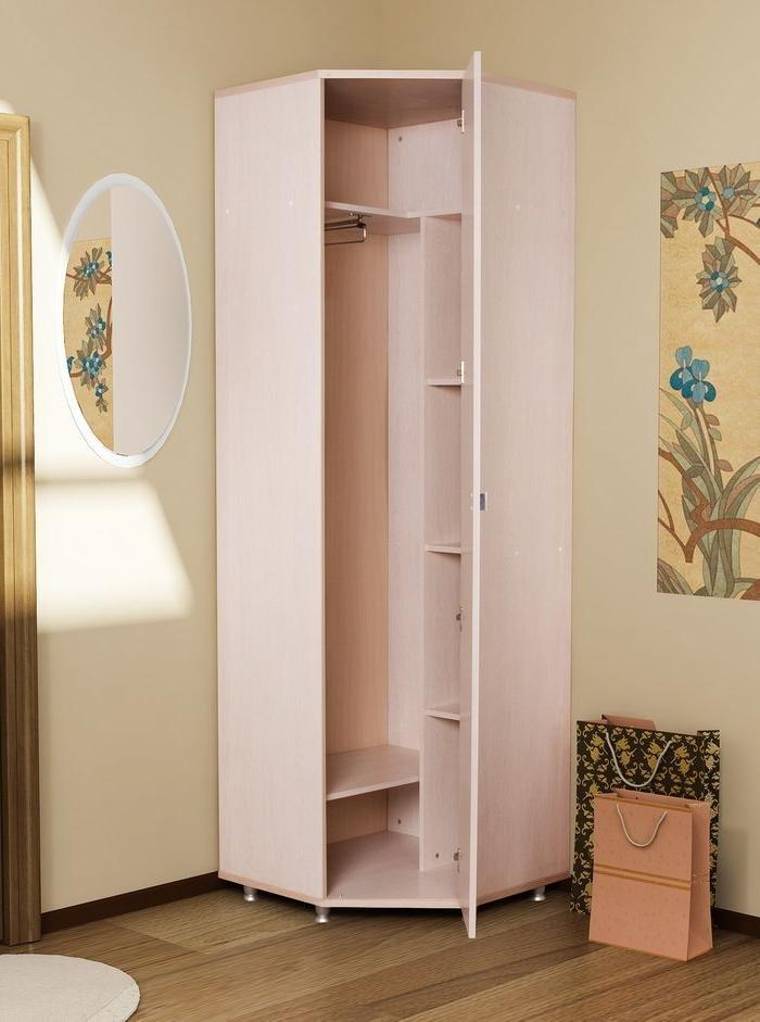 Маленький угловой шкаф в прихожую.