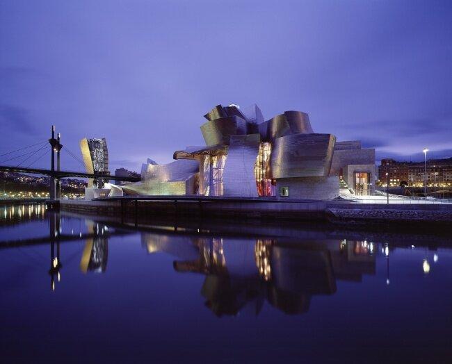 Музей Гуггенхайма (Бильбао, Испания, архитектор Фрэнк Гери)