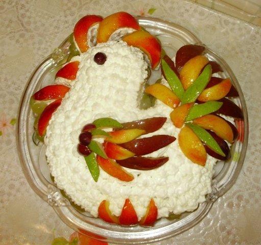 петушок из творога и фруктов