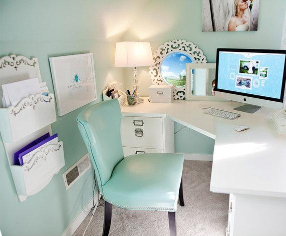 Небольшой, светлый домашний кабинет - В нежно бирюзовом цвете