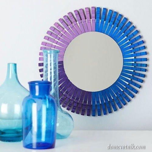 Рамка для зеркала из прищепок.