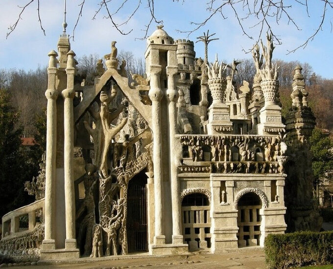 «Идеальный дворец» во французском Дроме