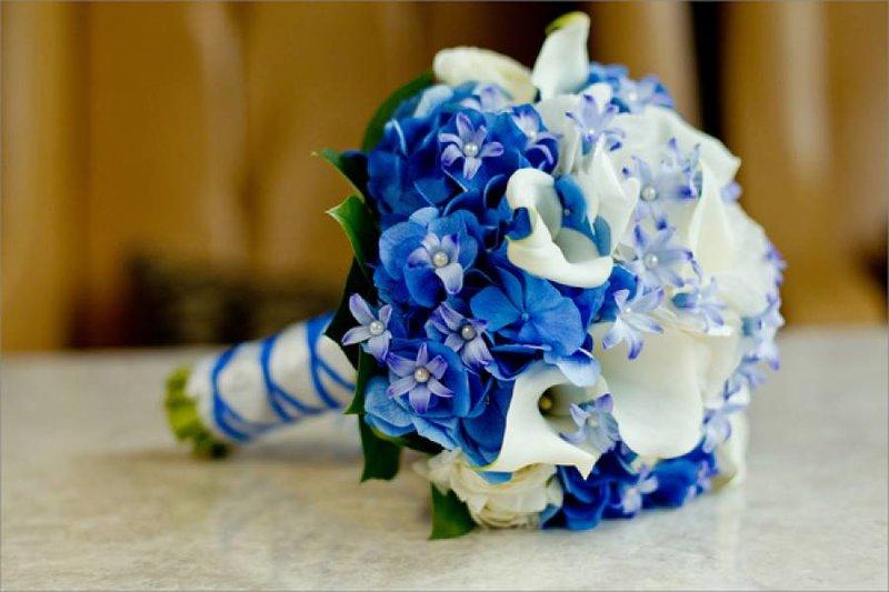 Букеты на свадьбу синий
