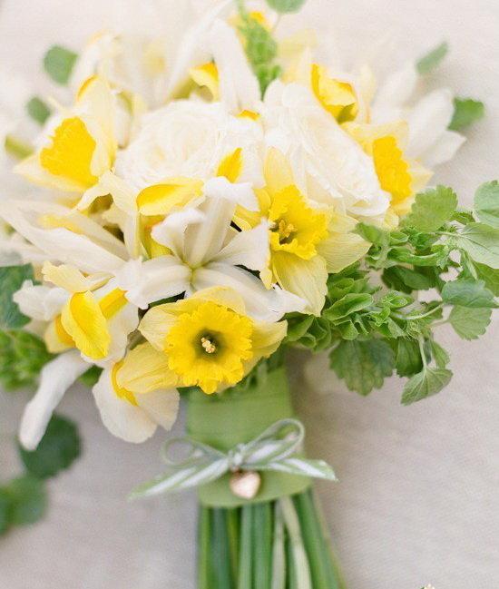 Нарциссы оформление в букете фото, цветы