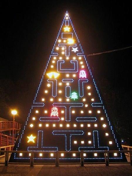 Мадрид, Испания. Ёлка в честь знаменитой аркады Pac-Man.