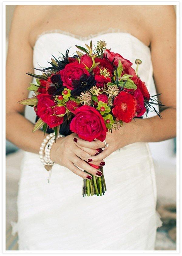 Яркие свадебные букеты