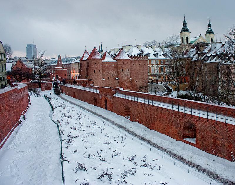 Заснеженная Варшава перед Новым годом.