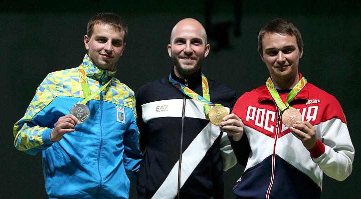 Серебро - украинец Сергей Кулиш, золото - итальянец Никколо Камприани,бронзовая медаль Владимир Масленников.