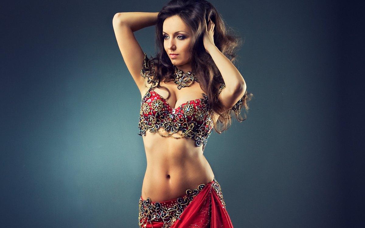 индийская девушка с красивой фигурой - 12