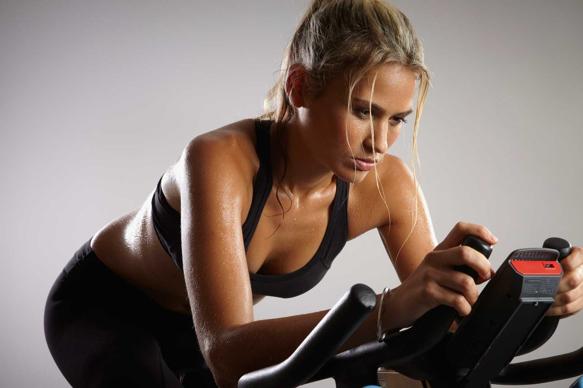 Заниматься На Велотренажере Для Похудения. Велотренажёр для похудения: как правильно заниматься мужчинам и женщинам?