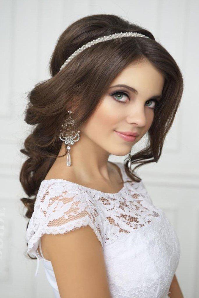 Ободок как лучшее украшение прически невесты