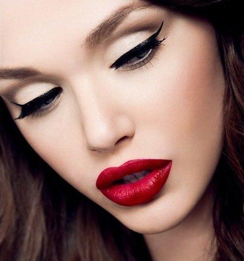 makijazh s krasnoj pomadoj