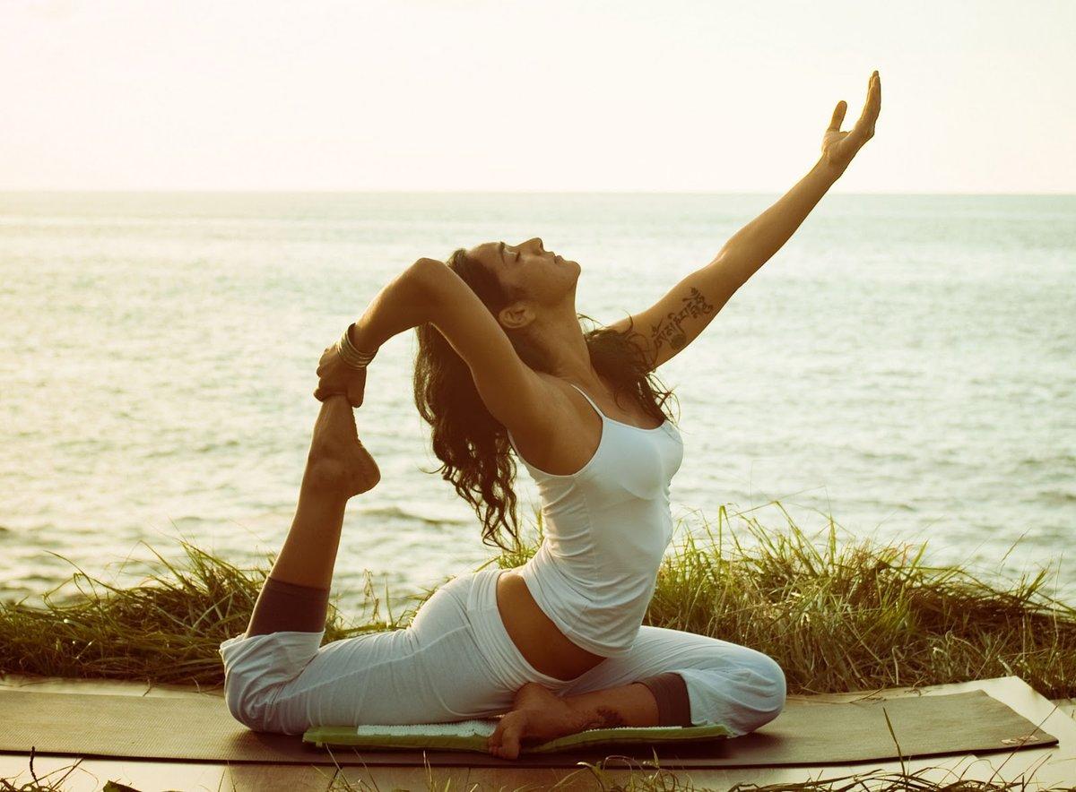 Нижнем белье йога оздоровление видео в hd