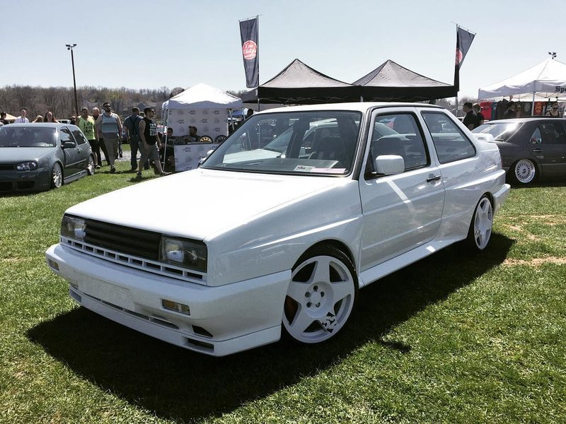 Volkswagen Jetta Rallye на дисках fifteen52