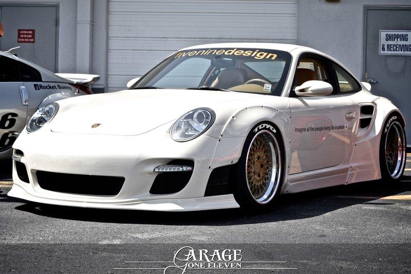 Liberty Walk Porsche 911