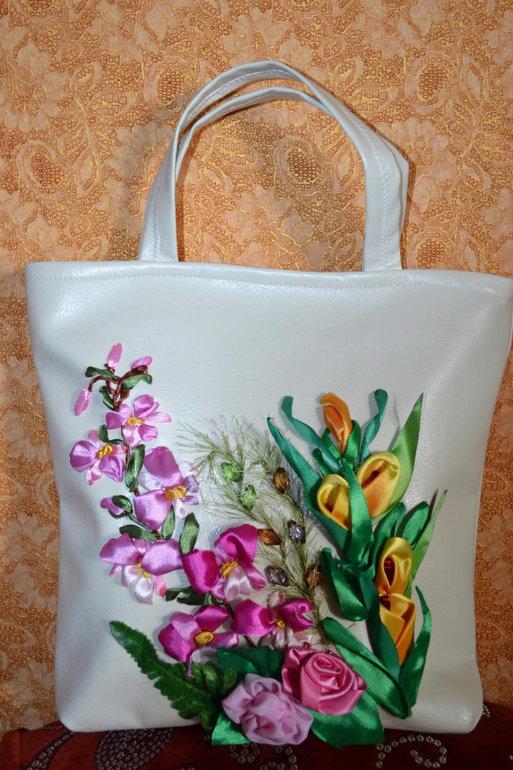 Вышивка на летней сумке