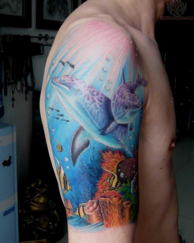 Значение тату — Дельфин на плече