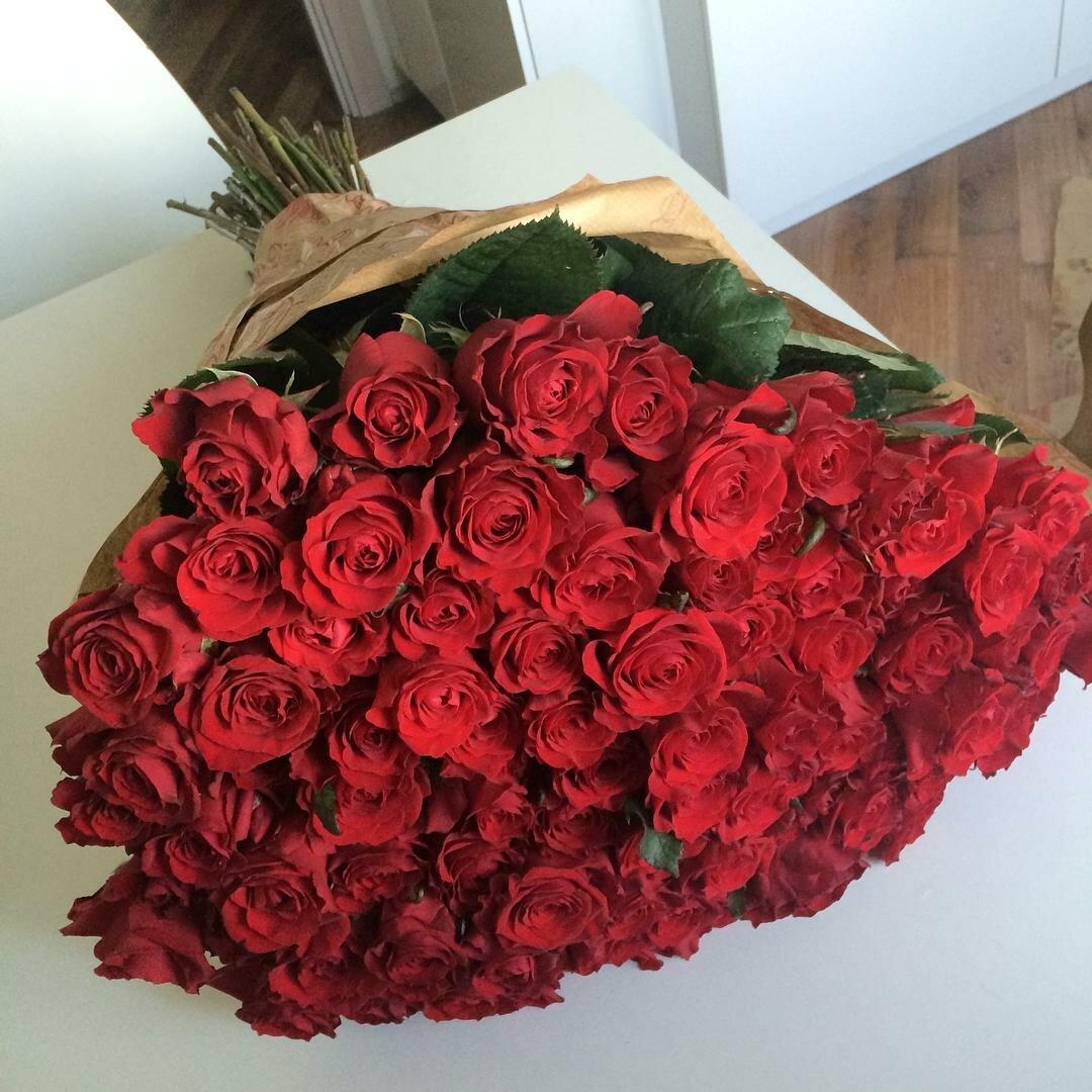 Букет цветов, большущий букет роз фото