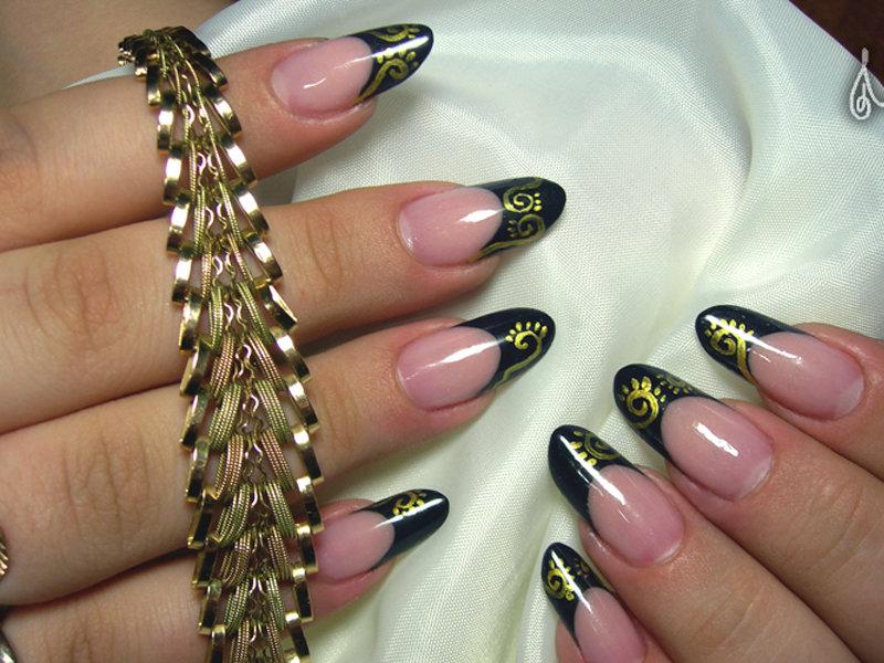 Ногти длинные