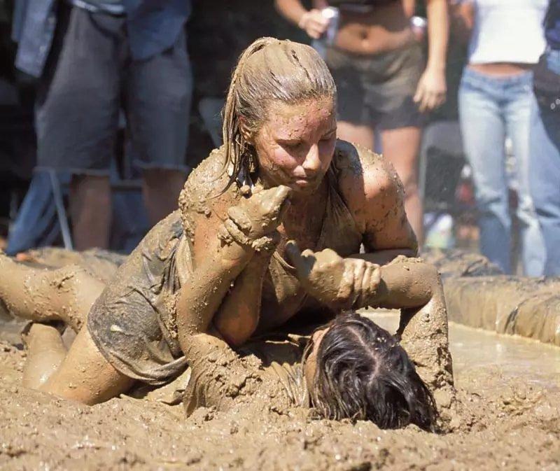 сможет вернуть женская грязная борьба фото только лайн