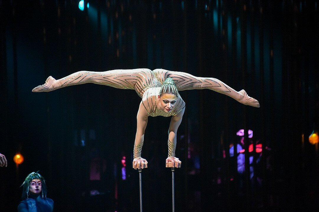 Holly Madison In World Premiere Of Cirque Du Soleil 1