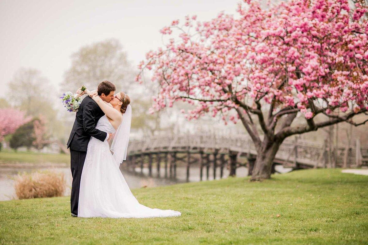 отъездом левитан свадьба в апреле фотосессия стрижку