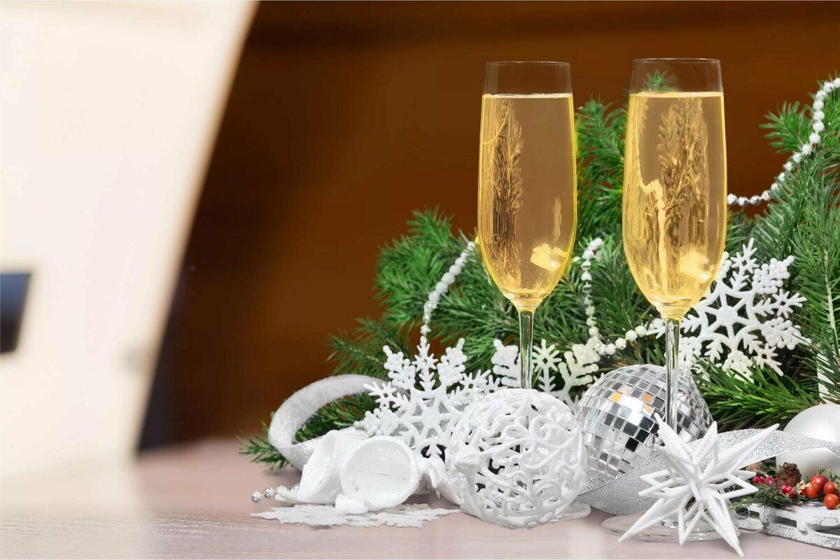 фото шампанского под елкой вам нравится