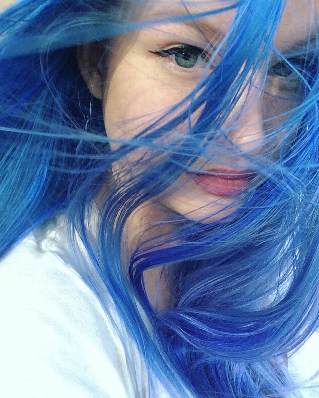прикольные картинки юлька с синими волосами пластины