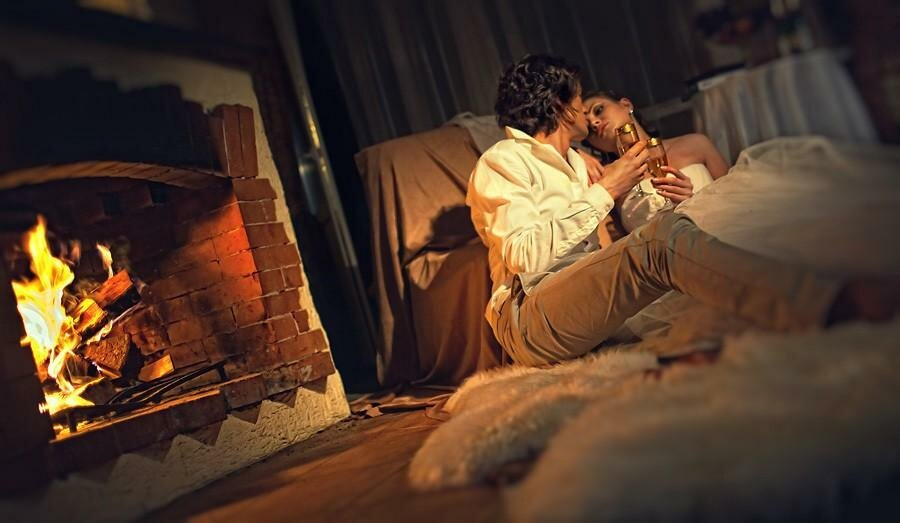 Картинки романтический вечер у камина