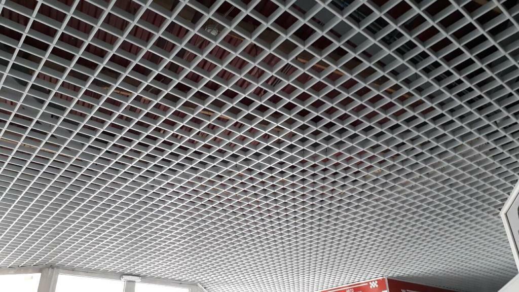 Потолок грильято фото №8