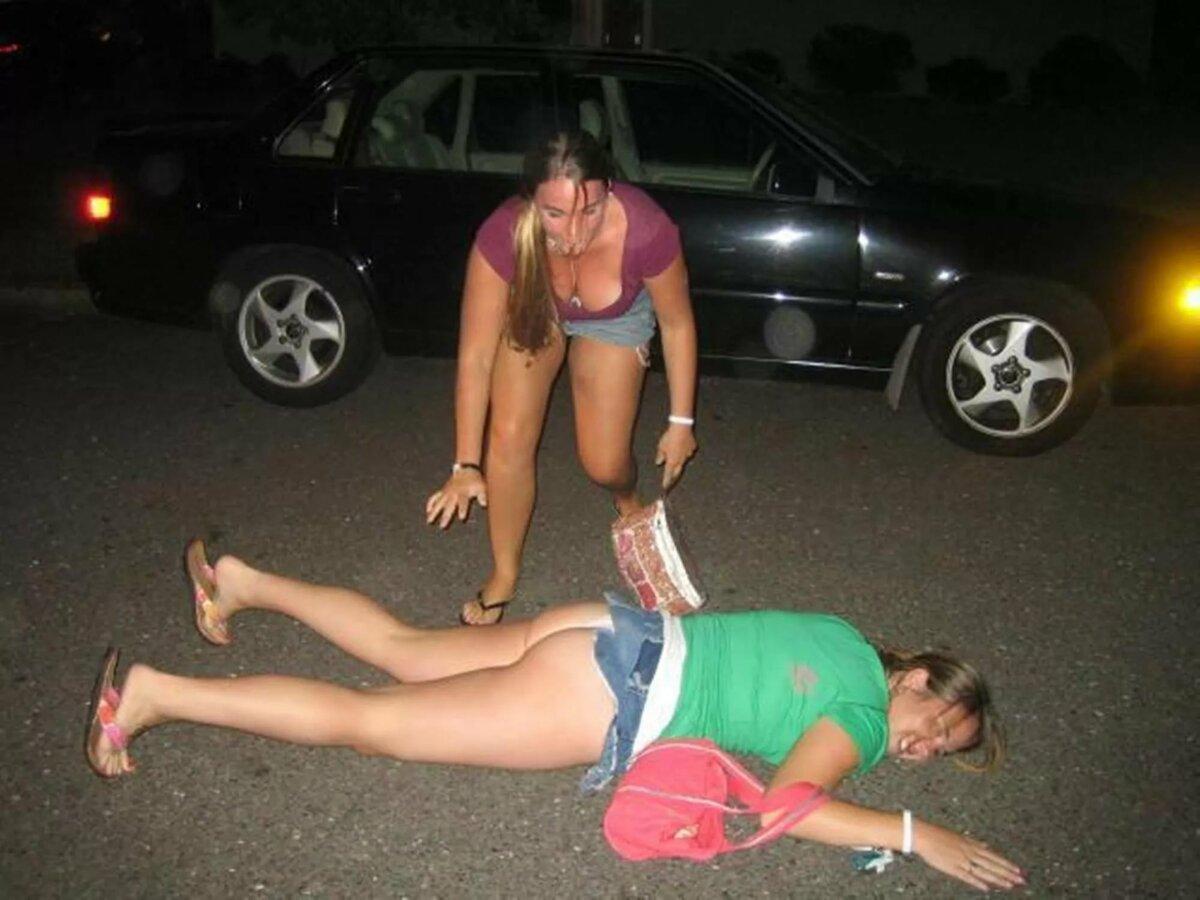 смотреть бесплатно пьяных женщин голых