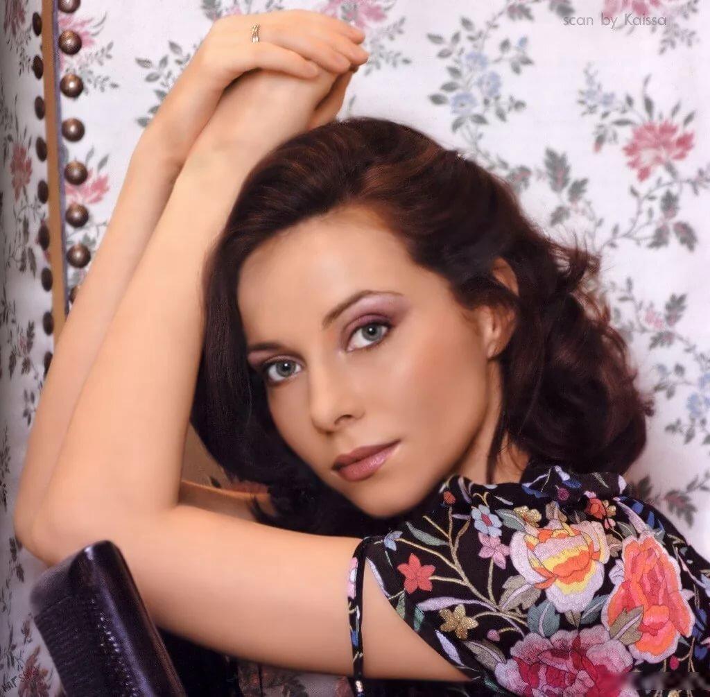 Самые новые фотографии актрисы екатерины гусевой каждым