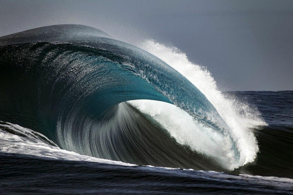 самые большие волны в картинках приложить