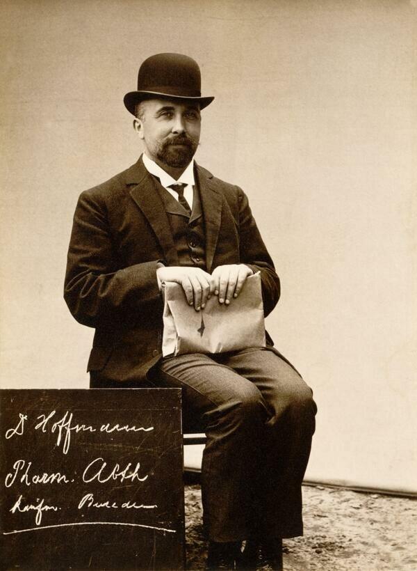 6 марта 1899 года немецкий химик Феликс Хоффман получил патент на аспирин