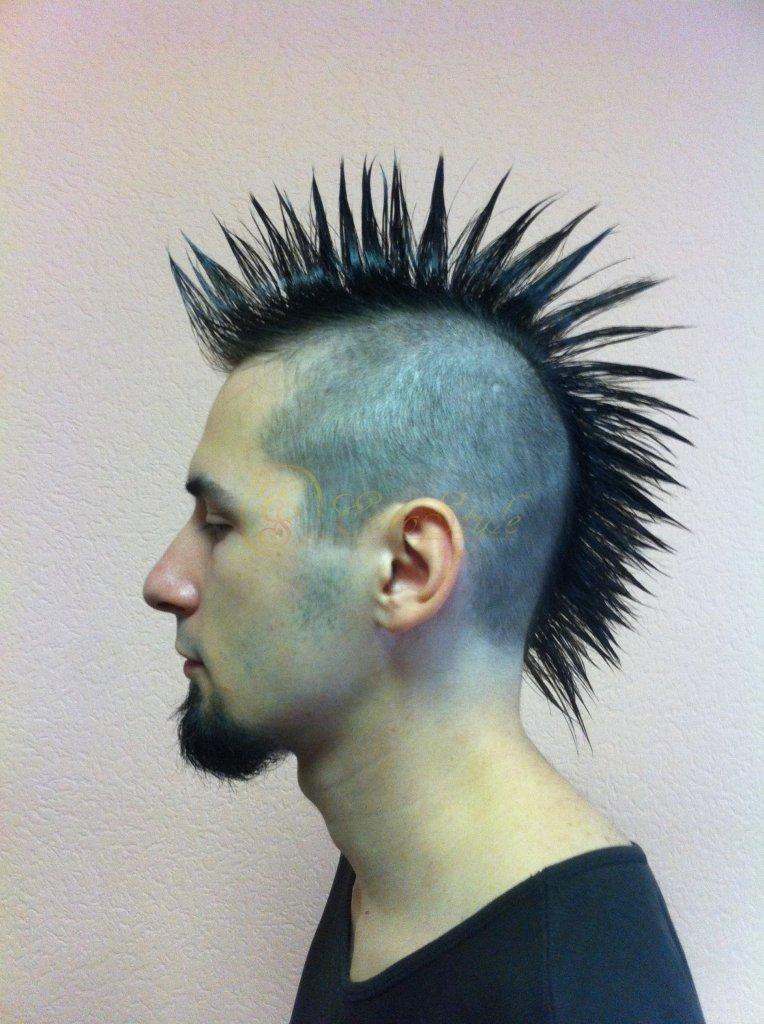 Лобковые волосы имеют треугольное сечение, к передвижению по таким волосам хорошо приспособлена лобковая вошь.