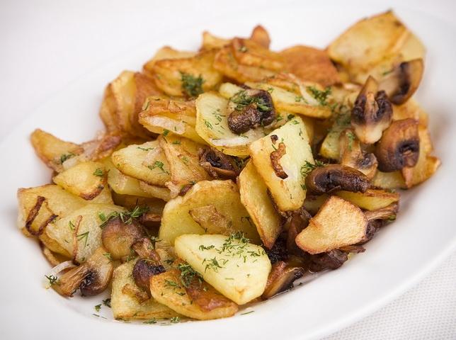 картошка с грибами жареная фото