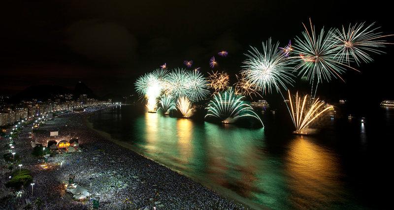 Салют в Новый Год в Рио де Жанейро!