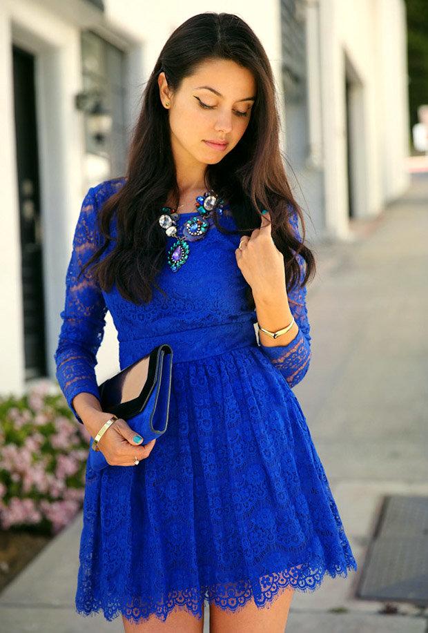 фото синее платье красные аксессуары фото личность потрясающая