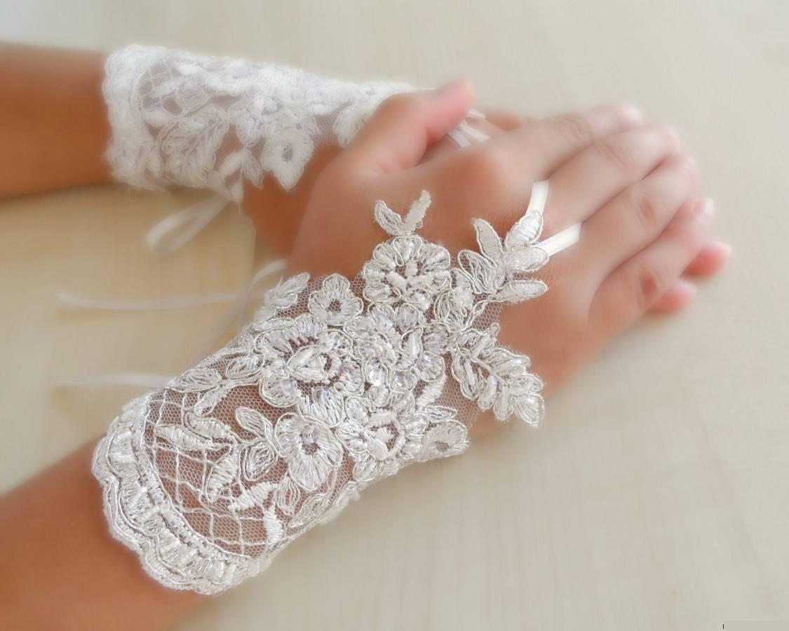 фото коротких свадебных перчаток кнопку вызова